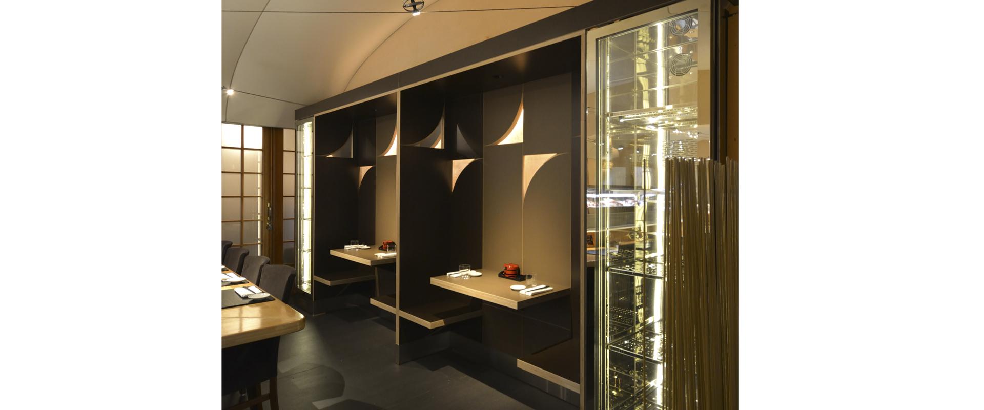 sushisen-restaurant-cubicles-1