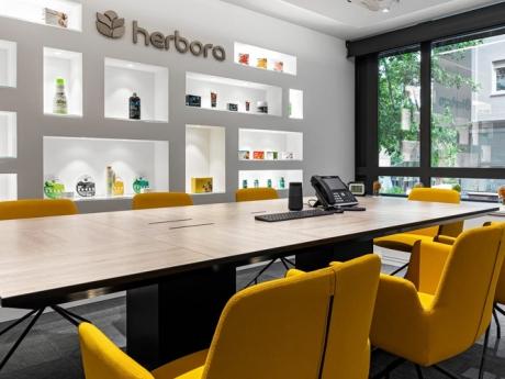 Herbora table